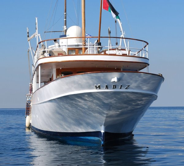 see the entire list of luxury yachts 61m  200 ft  in